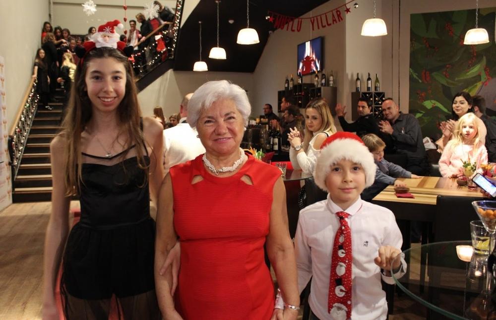 Minik Noel Anne ve Noel Babalar Berna Ergin Ajans Defilesi'nde... 4
