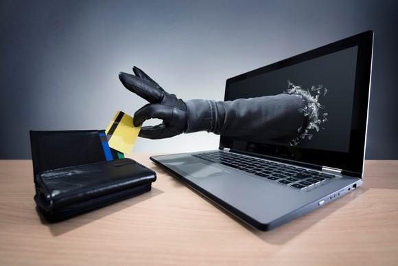 Kredi kartı kullanıcıları dikkat! İşte dolandırıcıların yöntemleri...