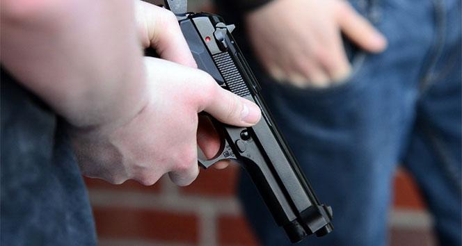 Pakistan'da bir grup silahlı adam 5 yıldızlı otele saldırdı