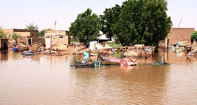 Sel felaketi: 78 ölü, 100 yaralı