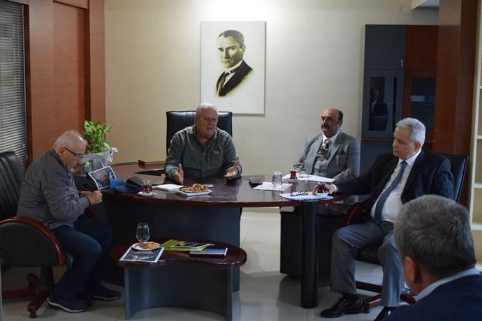 Rifat Serdaroğlu, iktidara ve muhalefet yüklendi!
