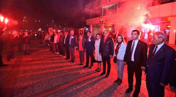 İzmir Laiklik Zinciri İçin Sokağa Çıktı