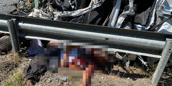 Otomobille kamyon çarpıştı! 2 ölü, 3 yaralı