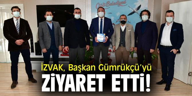 İZVAK, Başkan Gümrükçü'yü ziyaret etti!