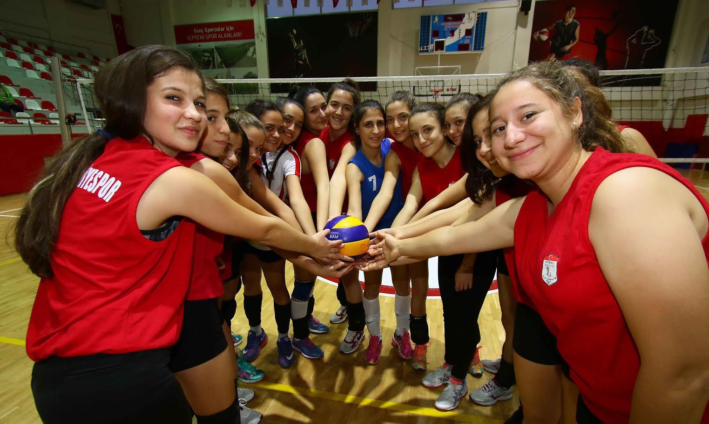 Bayraklı'da spora ve sporcuya tam destek!