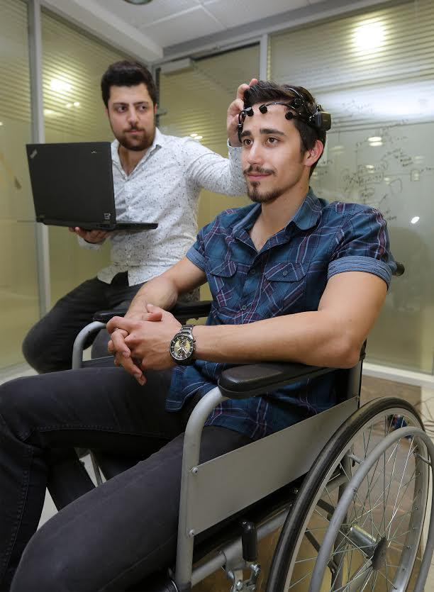 Yaşar Üniversitesi Öğrencilerinden Felçli Hastalara Umut Işığı