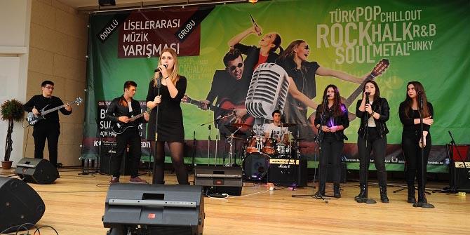 Liseli müzisyenler Karşıyaka'da yarışıyor