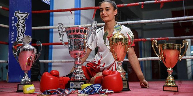 Milli Sporcu Duygu Hemşire 2 Defa Yılın Sporcusu Seçildi