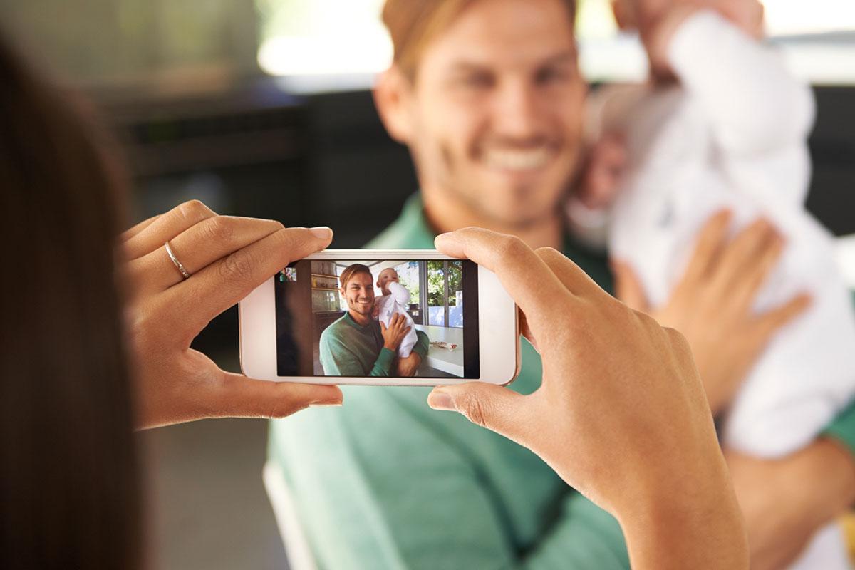 Telefon Kamerasına Gösterilen Kişiyi Sosyal Medyada Bulan Uygulama