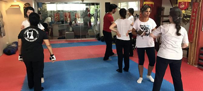 İzmirli kadınlara ücretsiz yakın dövüş eğitimi