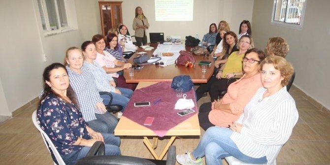 İzmir Bosna Sancak Derneği'nden stresle başa çıkma semineri