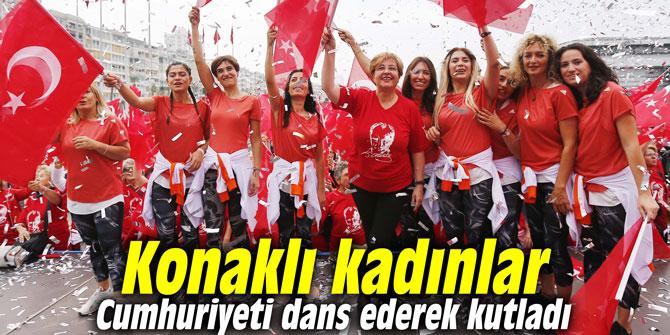 Konaklı kadınlar Cumhuriyeti dans ederek kutladı