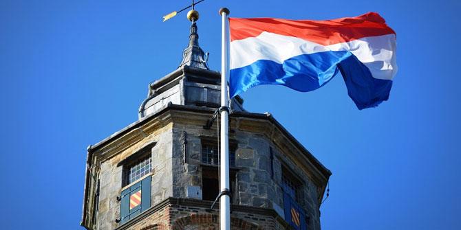 """Hollanda'da skandal olay! """"Cami istemiyoruz"""" deyip ev taşladılar"""