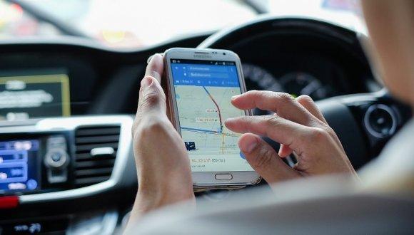 Google Maps'ten büyük yenilik! Artık radarları ve kazaları gösterecek