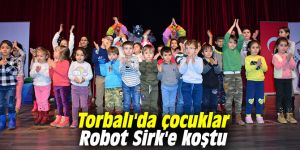 Torbalı'da çocuklar Robot Sirk'e koştu
