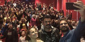 Aslı Gibidir'in oyuncuları İzmir'de sevenleriyle buluştu