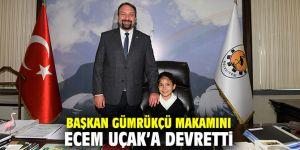 Başkan Gümrükçü makamını Ecem Uçak'a devretti