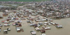 Komşu'da ağır sel bilançosu: 20 ölü, 37 yaralı