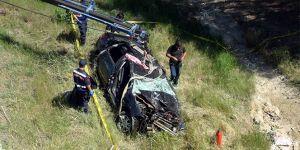 Otomobil köprüden uçtu: 2 ölü, 1 yaralı