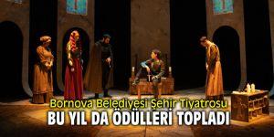 Bornova Belediyesi Şehir Tiyatrosu bu yıl da ödülleri topladı