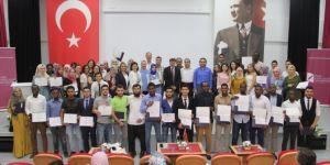 İzmir Kâtip Çelebi Üniversitesi'nden yabancı öğrencilere Türkçe eğitimi