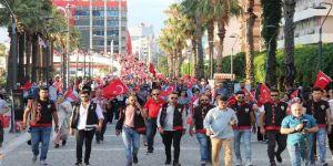 15 Temmuz'da İzmir tek yürek