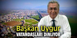 Başkan Uygur vatandaşları dinliyor