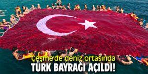 Çeşme'de deniz ortasındaTürk bayrağı açıldı!