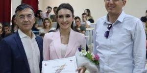 TRT Spikeri Oya Eren, İKÇÜ'lü gençlerle buluştu