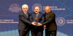 Tirsan Kardan Bakan Varank'ın elinden ödül aldı