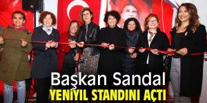Başkan Sandal Yeniyıl standını açtı