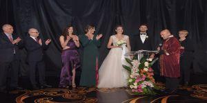 Okay Yokuşlu ve Melisa Kerman'ın aşkları evlilikle taçlandı