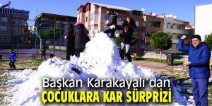 Başkan Karakayalı'dan çocuklara üç kamyon kar!