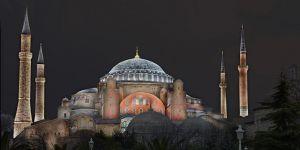 80 yıl sonra Ayasofya'da ilk cuma namazı