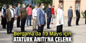 Bergama'da Atatürk Anıtı'na çelenk bırakıldı