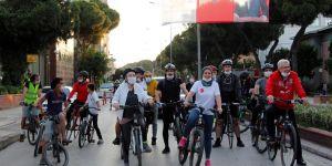 Başkan Eriş'ten Dünya Bisiklet Günü'nde bisikletle Ödemiş turu