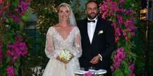 Cansu Canan Özgen, Erden Eryüz'le evlendi