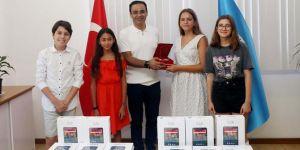 İZSİAD Çocuk Yönetim Kurulu'ndan bayram hediyesi