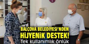Balçova Belediyesi'nden Hijyenik Destek! Tek kullanımlık önlük