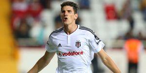 Alman Yıldız Mario Gomez: Beşiktaş'ta Kazanarak Mutlu Oluyorum