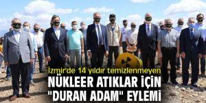 """İzmir'de nükleer atıklar için """"duran adam"""" eylemi"""