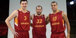 Galatasaray'da İki Kadro Dışı!