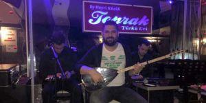 Türkülerin sevilen sesi Caner Şimşek