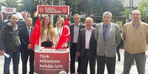 MHP İzmir'in Evet Stantları