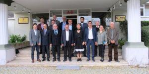 Egeli ihracatçılardan, Tariş Zeytinyağı'na ziyaret