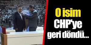 Mehmet Şenel yeniden CHP'ye katıldı.
