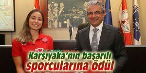 Karşıyaka Belediyesi'nden başarılı sporculara ödül