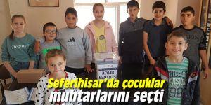 Seferihisar'da çocuklar muhtarlarını seçti