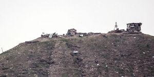 PKK/YPG'li teröristler mevzilerden çekildi