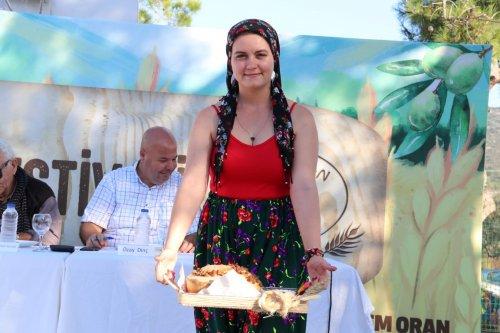 6.-germiyan-festivali-ekmek-yarismasi-ile-sona-erdi-(8).jpg